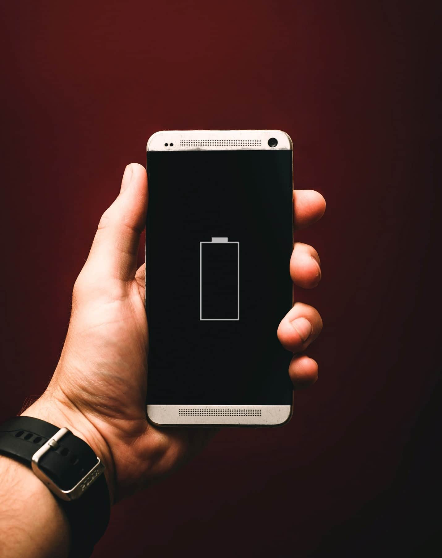 content/da-dk/images/repository/isc/2020/9910/prolong-your-smartphone-battery-lifespan-1.jpg